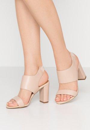 LAKEN - Sandalen met hoge hak - seashell