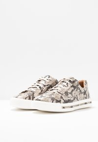 Clarks Unstructured - UN MAUI LACE - Sneakers - natural - 4
