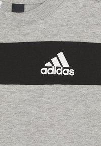 adidas Performance - SID TEE - T-shirt z nadrukiem - mottled grey/black - 3