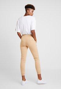 New Look - BASIC BASIC  - Tracksuit bottoms - camel - 3