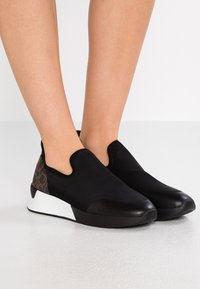 Calvin Klein - Mocasines - black/brown - 0