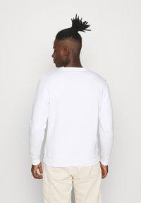 Alpha Industries - BASIC - Sweatshirt - white/yellow gold - 2