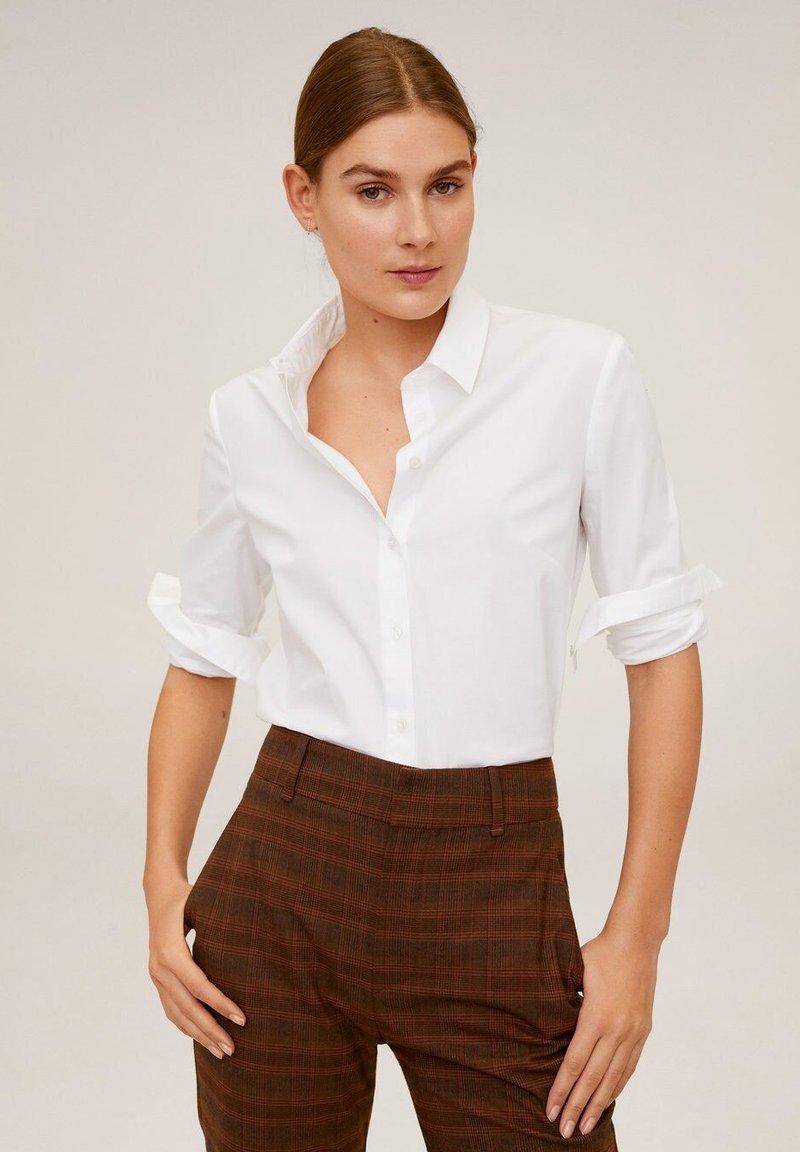 Mango - HEMD AUS BAUMWOLL-MIX - Button-down blouse - cremeweiß