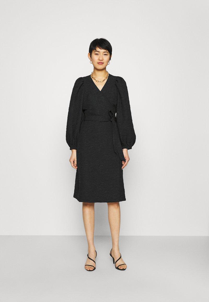 JUST FEMALE - TODA WRAP DRESS - Day dress - black