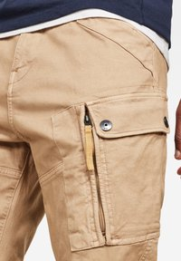 G-Star - ROXIC STRAIGHT TAPERED - Cargo trousers - sahara gd - 3