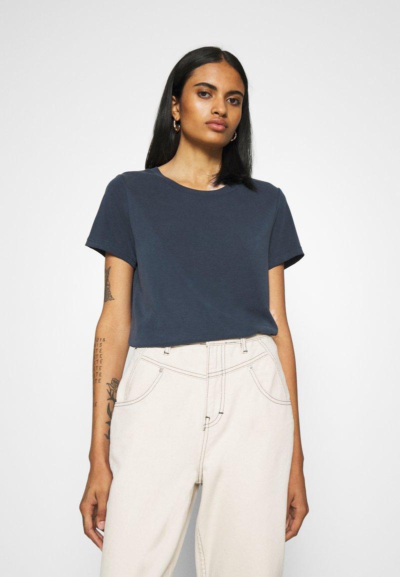 Monki - JOLIN  - Basic T-shirt - blue dark running