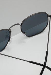 CHPO - IAN - Sluneční brýle - gun metal/black - 4