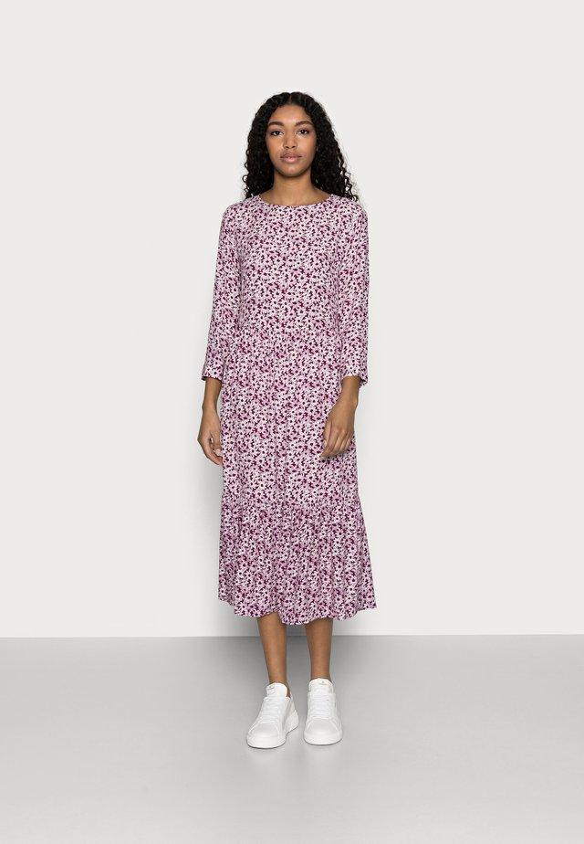 FLOUNCE  - Vapaa-ajan mekko - plum