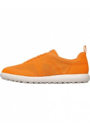 PELOTAS XLF - Trainers - orange