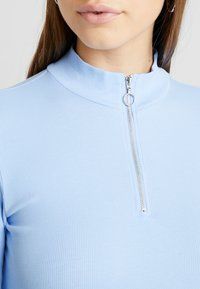 Monki - KIM ZIP - Long sleeved top - soft blue - 4