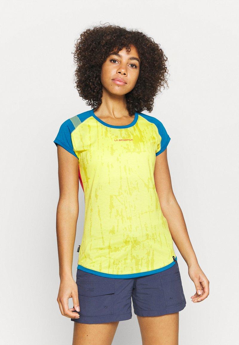 La Sportiva - CORE - T-shirt con stampa - celery/neptune