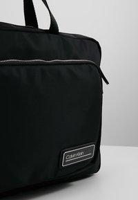 Calvin Klein - PRIMARY GUSSET LAPTOP BAG - Aktovka - black - 6
