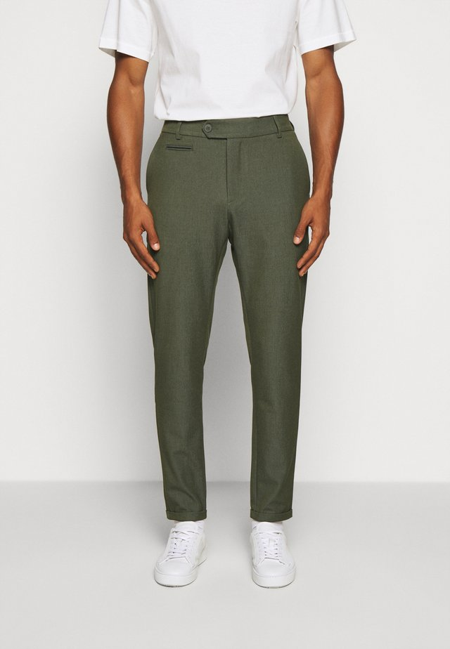 COMO SUIT PANTS SEASONAL - Pantalon classique - deep forrest