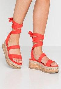 Public Desire - FRESCA - Sandály na platformě - red - 0