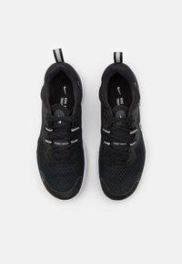 Nike Performance - REACT MILER 2 - Nøytrale løpesko - black/white/smoke grey - 3