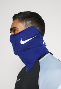 Nike Performance - STRIKE SNOOD UNISEX - Kruhová šála - deep royal blue/white - 1