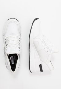 MICHAEL Michael Kors - LIV TRAINER - Sneakers laag - optic white - 3