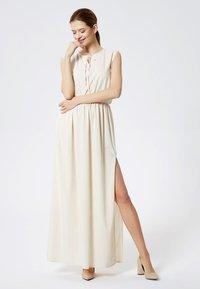 DreiMaster - Maxi dress - beige - 1