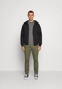 Volcom - HERNAN - Light jacket - black - 1
