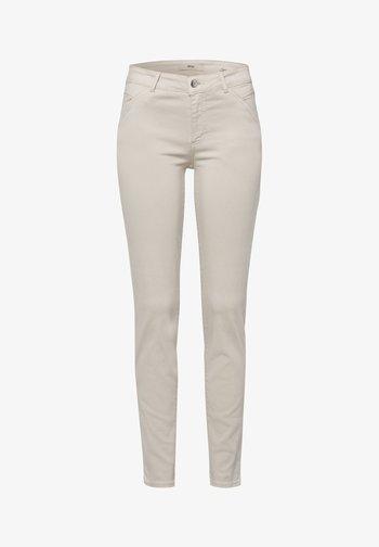 SHAKIRA - Slim fit jeans - clean camel