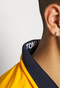 Tommy Jeans - ESSENTIAL CASUAL  - Tunn jacka - orange - 3