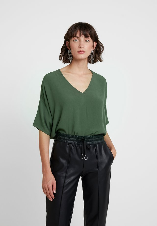 MAINS V NECK - Blouse - deep depths