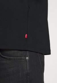 Levi's® - TEE UNISEX - Print T-shirt - black - 5