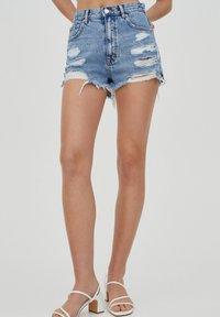 PULL&BEAR - Denim shorts - royal blue - 0