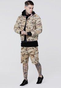 SIKSILK - COLLARLESS JACKET - Denim jacket - desert - 1