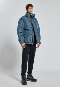 PULL&BEAR - Winter jacket - mottled blue - 1