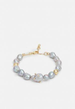STUDDED BAROQUE BRACELET - Bracelet - gold-coloured