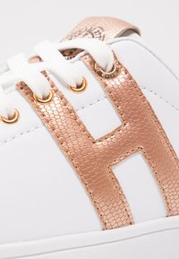 H.I.S - Trainers - white/rosegold - 6
