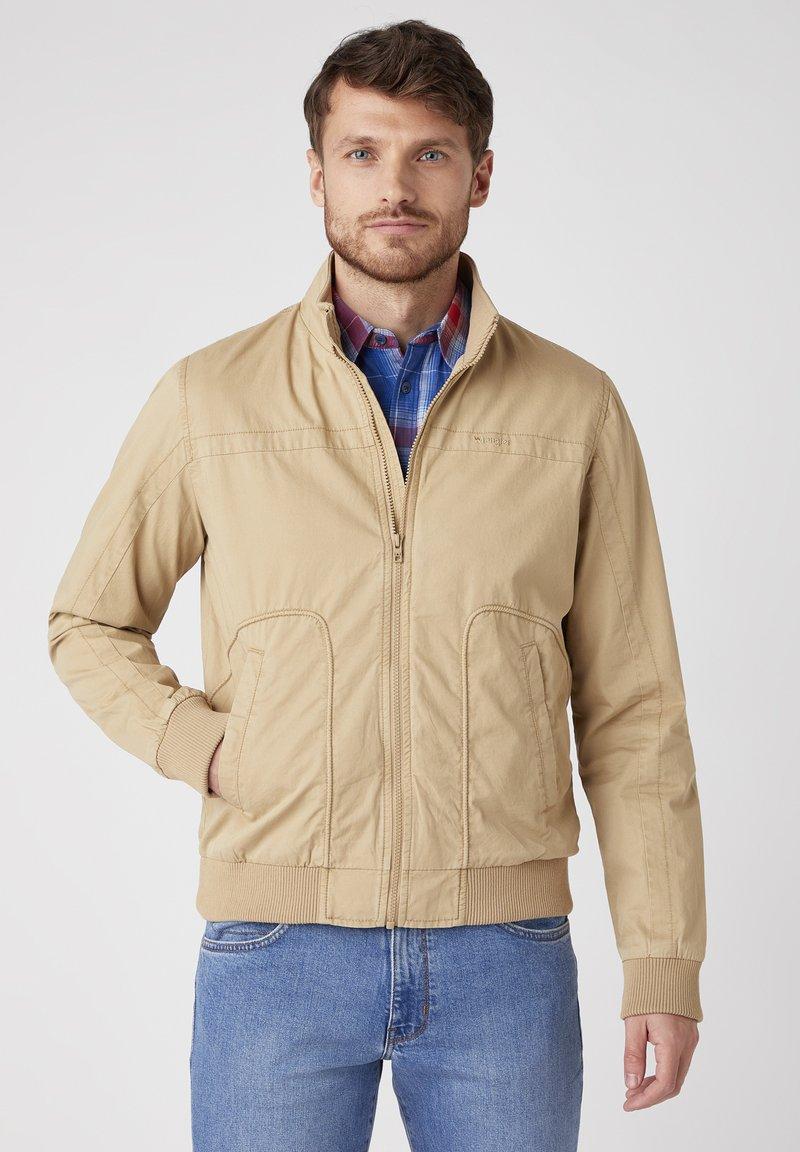 Wrangler - Summer jacket - sand
