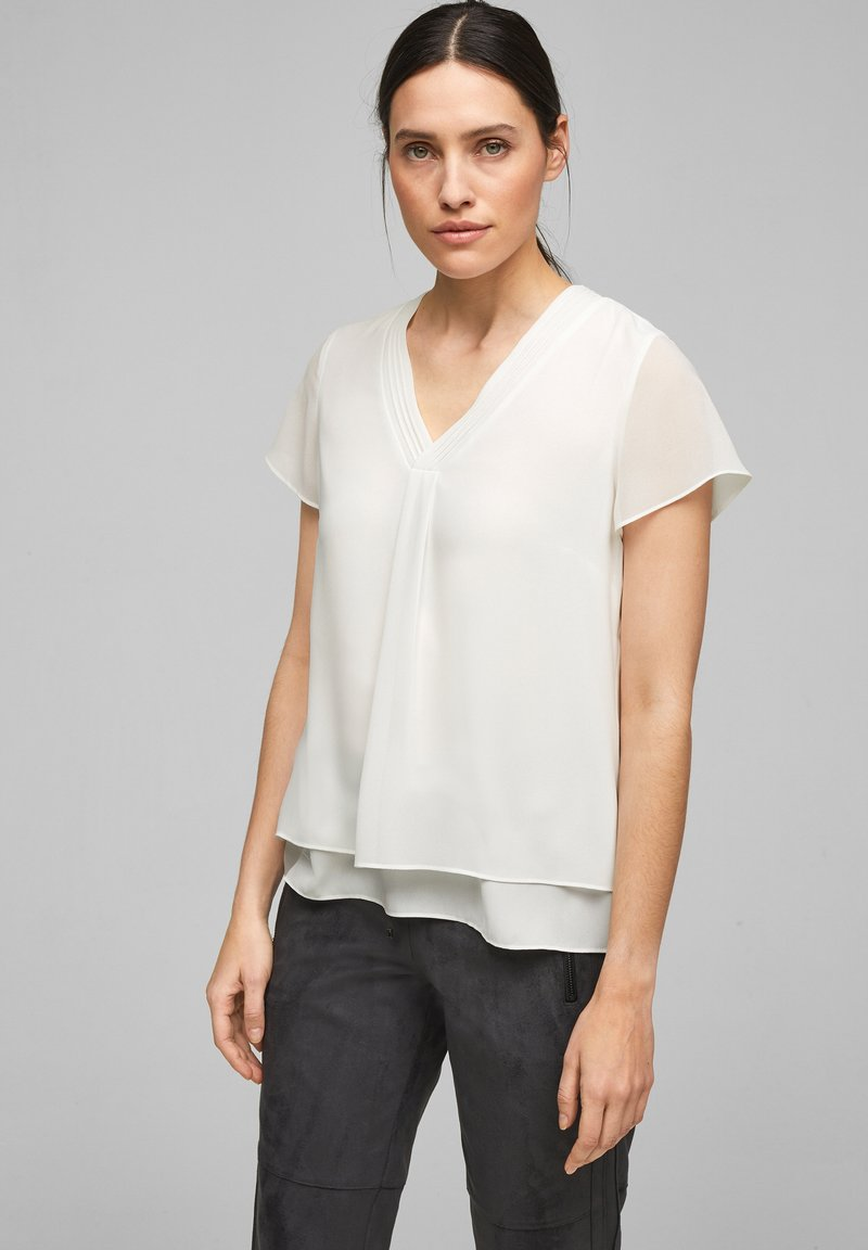s.Oliver BLACK LABEL - Blouse - soft white
