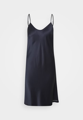 TAILORED COMFORT STRAPPY DRESS