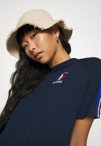 adidas Originals - STRIPES SPORTS INSPIRED REGULAR DRESS - Jersey dress - collegiate navy - 3