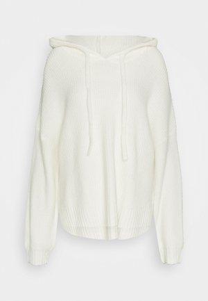 PREMIUM BOYFRIEND HOODIE - Strickpullover - white