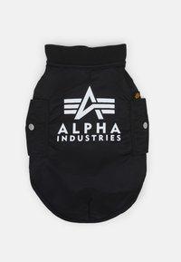 Alpha Industries - DOG JACKET BACKPRINT UNISEX - Muut asusteet - black - 3