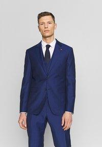 Tommy Hilfiger Tailored - PIECE WOOL BLEND SLIM SUIT - Garnitur - blue - 2