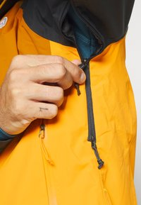 The North Face - STRATOS JACKET  - Outdoorjas - yellow - 5