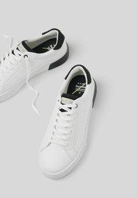Bershka - Trainers - white - 5