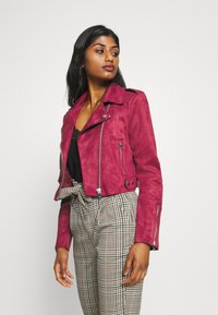 ONLY Petite - ONLSHERRY CROP BOND BIKER - Veste en similicuir - rhubarb - 3
