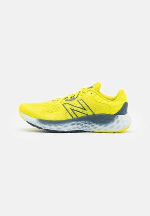 EVOZ - Nøytrale løpesko - sulphur yellow