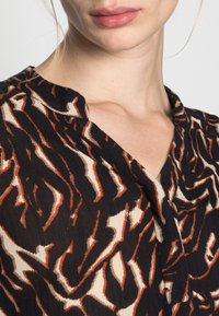 Soaked in Luxury - ZAYA DRESS - Day dress - dark tricolore - 4
