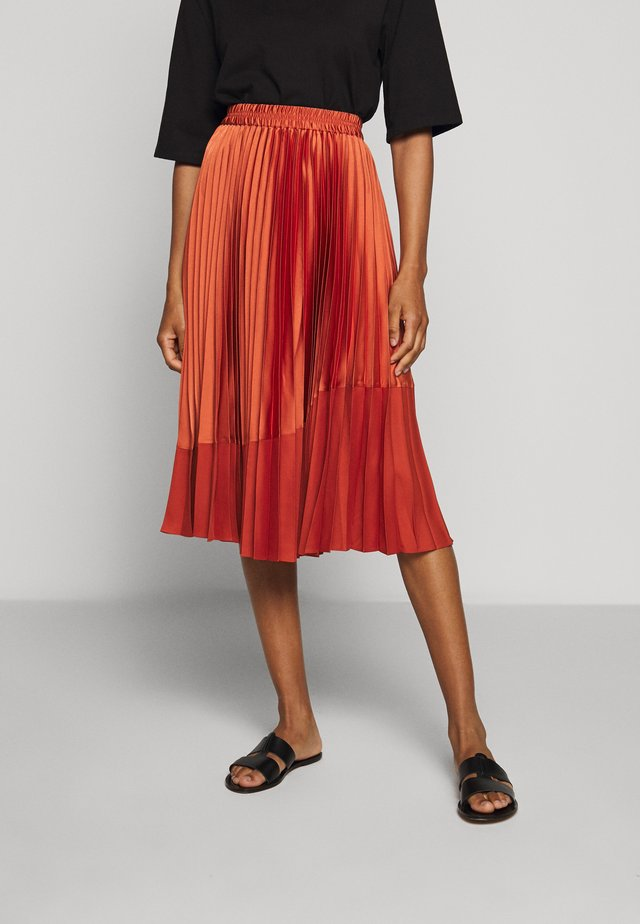 PLEATED CURVE SEAM - A-line skirt - orange