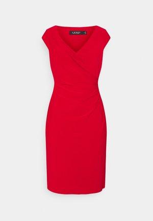 MID WEIGHT DRESS - Pouzdrové šaty - lipstick red