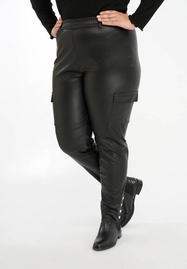WITH POCKETS - Pantalon cargo - black