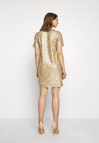 Pieces - PCALISIA DRESS - Vestito elegante - warm sand - 2