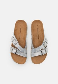 Dorothy Perkins - FOXY DOUBLE BUCKLE FOOTBED - Slippers - silver - 5