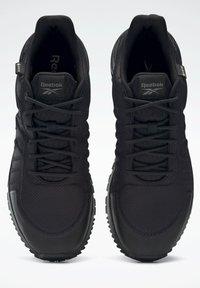 Reebok - ASTRORIDE 2.0 GORE-TEX - Hiking shoes - black - 7